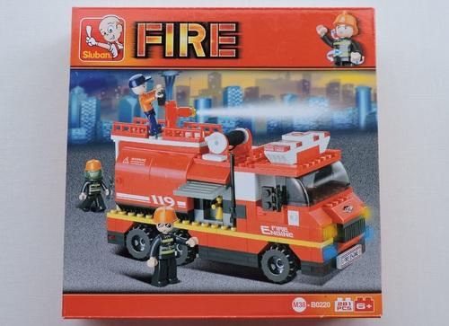 SLUBAN - Véhicule incendie avec pompe (281 pièces)