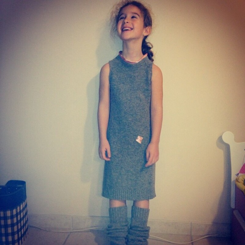 Quand un pull de Papa devient une robe avec jambière