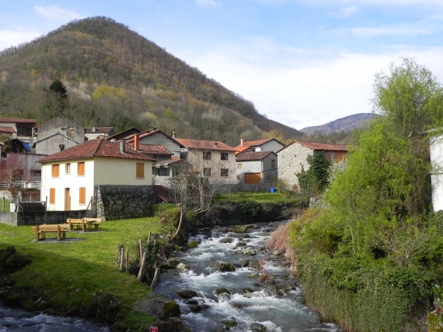 le village de Mauléon-Barousse dept 65