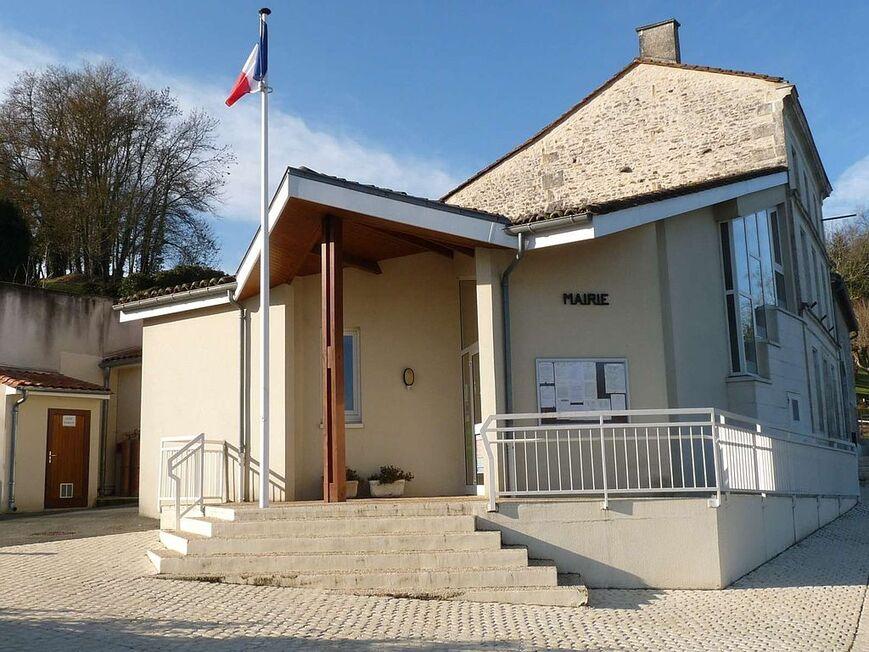 Feuillade mairie.JPG