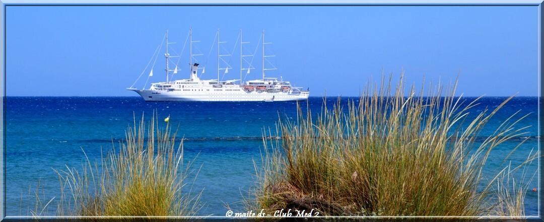 Club Med 2 dans le golfe de Calvi