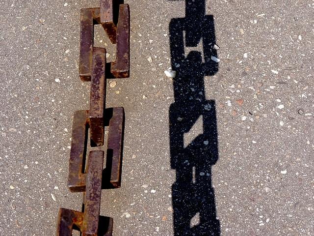 25 - A l'ombre des chaines Marc de Metz 2012