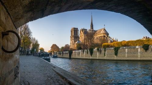 Notre-Dame-Paris-1653482-845x475 ''avant''