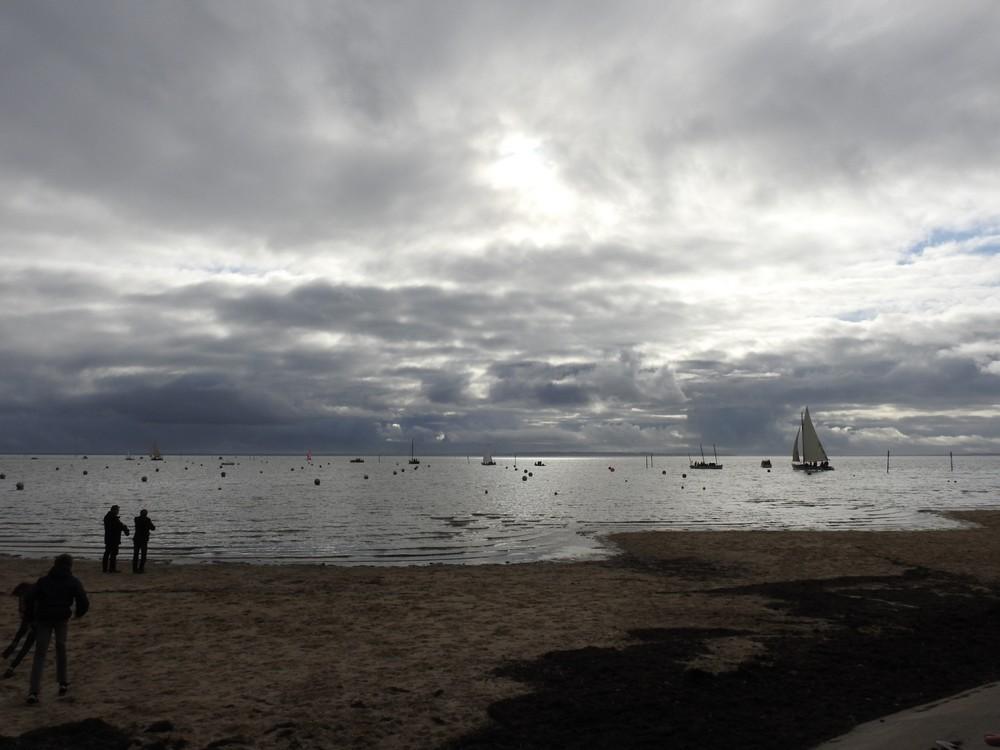 Le ciel était bien noir, pour les Cabanes en fête 2019, à Andernos-les-bains...