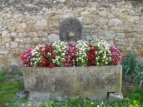 Petit patrimoine à Serrières-de-Briord