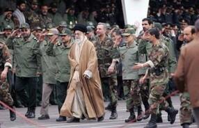 ali-khamenei-with-the-sepah-pasdaran-marching-iran