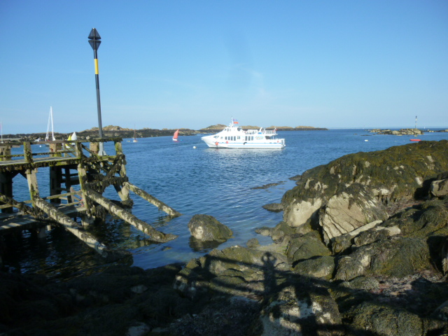 notre bateau nous attend