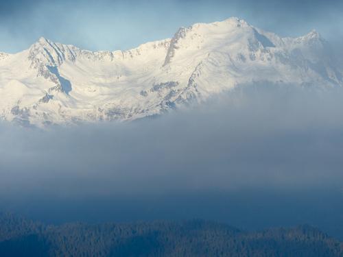 Entre brume et nuages :