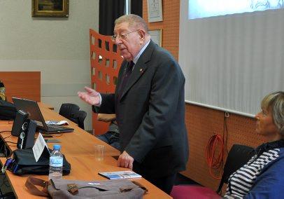 * Francis Ruffier-Monet membre de la Fondation de la France libre  en visite au collège Chaumié à Agen