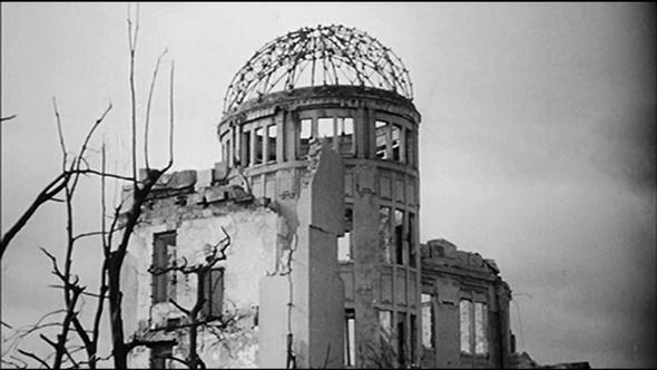 l'oeil & la plume... le java des bombes atomiques