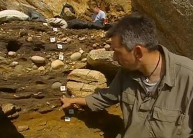 Couches stratigraphiques grotte Menez-Dregan
