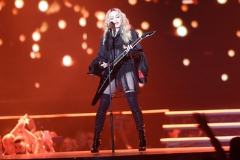 Madonna - Rebel Heart Tour - 2015 10 01 - Detroit, MI, USA (21)