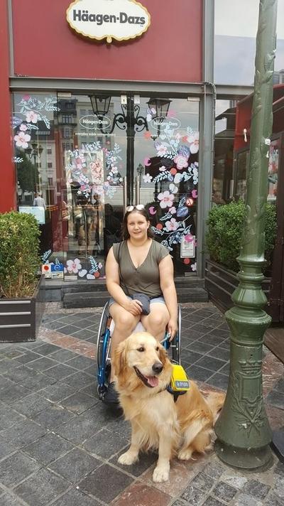 Quand Haagen-Dazs Louise refuse l'accès à une PMS à cause de son chien d'assistance