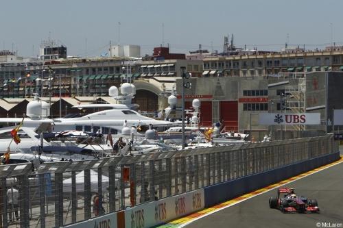 GP Europe : Course - Button 8°, Hamilton 19°