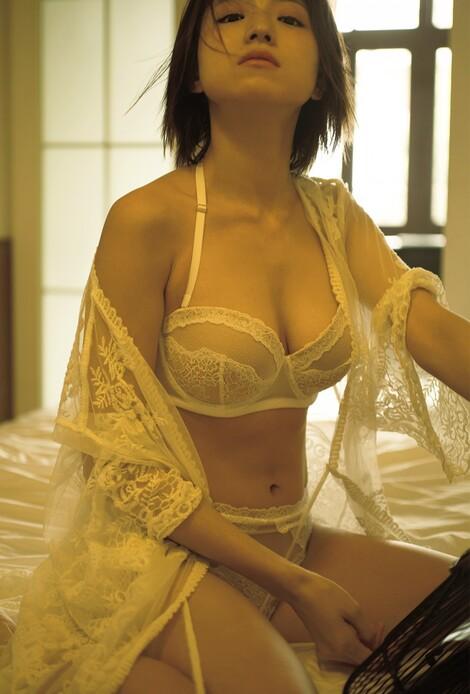 WEB Magazine : ( [FRIDAY Digital - Gravure] - |FRIDAY - 25/10/2019 - Shizuka Nakamura : 中村静香  注目女優の「ラストセクシー」をもう一度| )