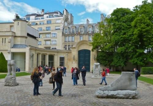 Dewar et Gicquel sculptures Musée Rodin cour