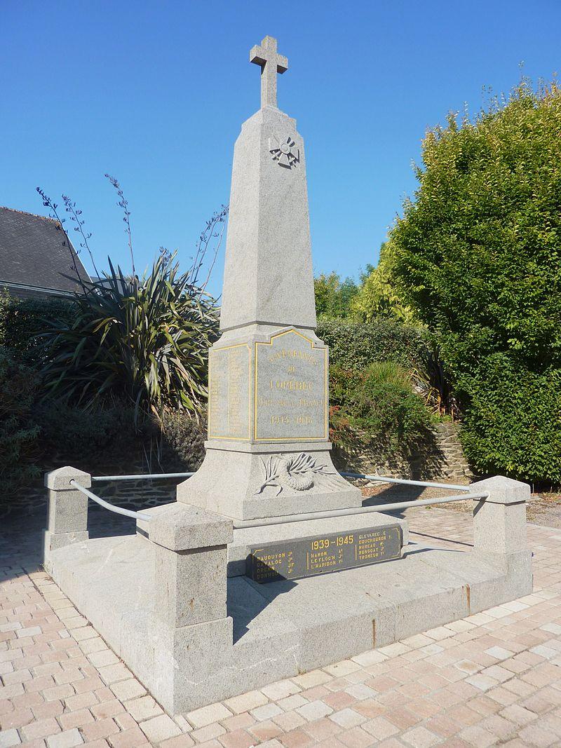 Lopérec 02 Le monument aux morts.jpg