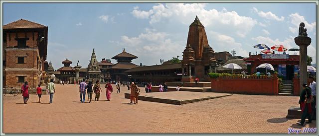 Blog de images-du-pays-des-ours : Images du Pays des Ours (et d'ailleurs ...), Les marchands du temple à Bhaktapur - Vallée de Katmandou - Népal