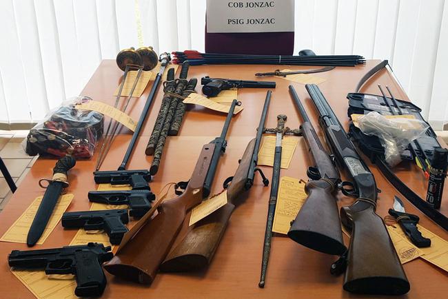 Charente-Maritime : Il tire au fusil vers la tête de son fils, les gendarmes découvrent un arsenal chez lui