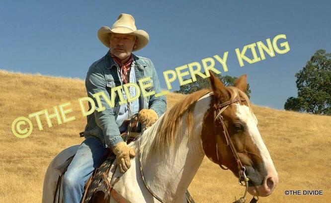 PERRY KING PREPARE UN FILM...