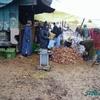 douar gzoula - souk - marchands oignons et la boue