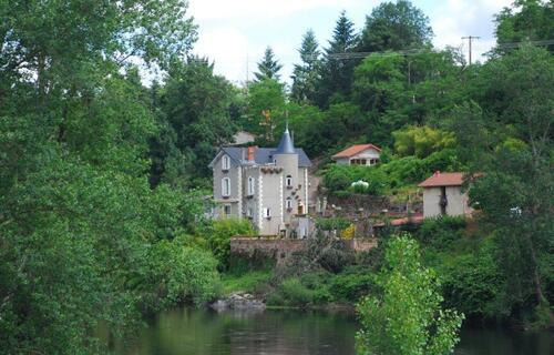 Au bord de la Loire entre Villerest et Roanne