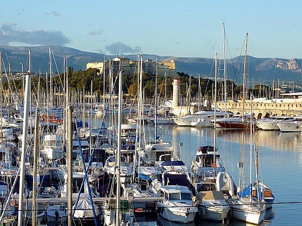 Antibes Le vieux Port photo Michel