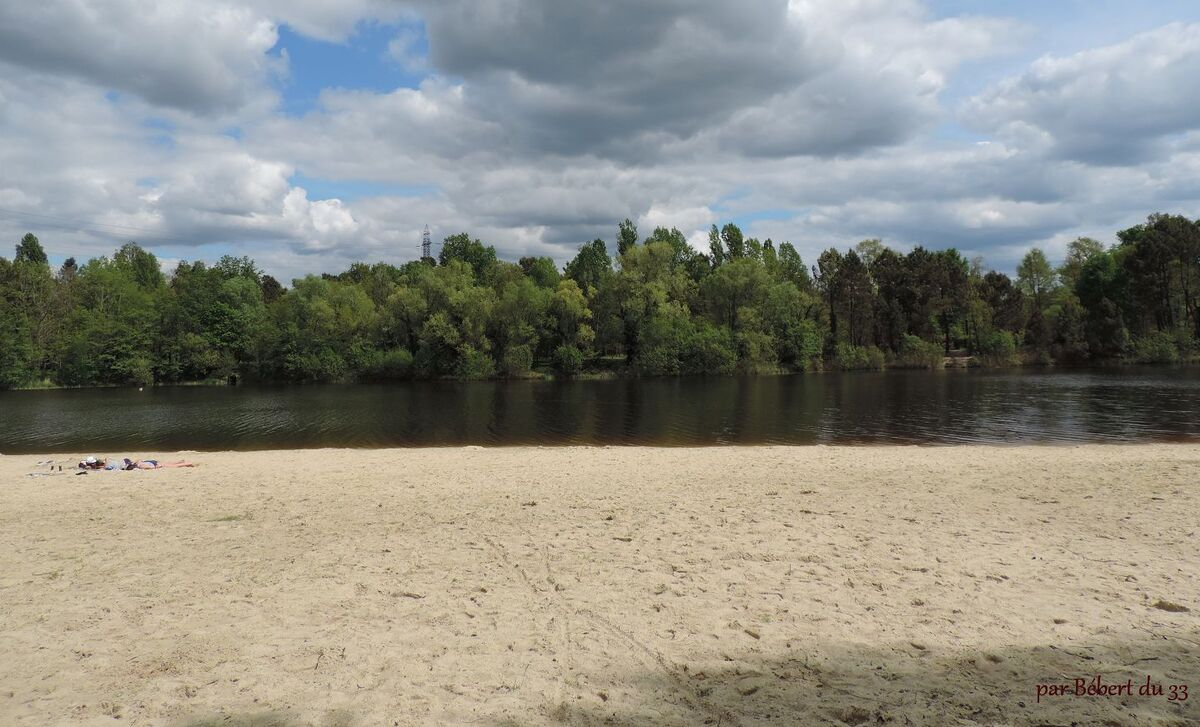 le lac de Saint-Christoly (33)  cliques
