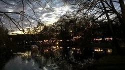Der Geist der Weihnacht schwebt über den Wassern von Moyland