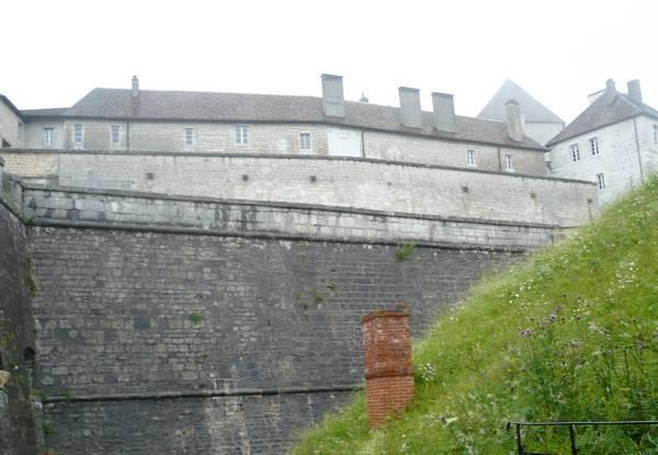 Chateau-Joux-02.jpg
