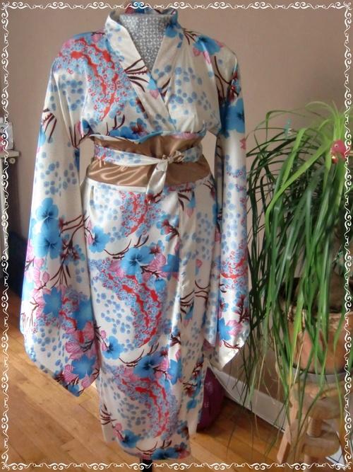 Tuto : Un kimono fleuri et sa ceinture Obi