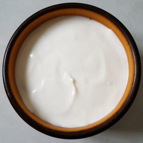COPPA MALÙ-Pudding de farine d'avoine, cacao, yaourt, séré & lait SL nappé de cream cheese, fromage de chèvre & yaourt