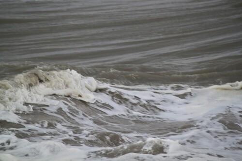 La grande marée et quelques vagues....