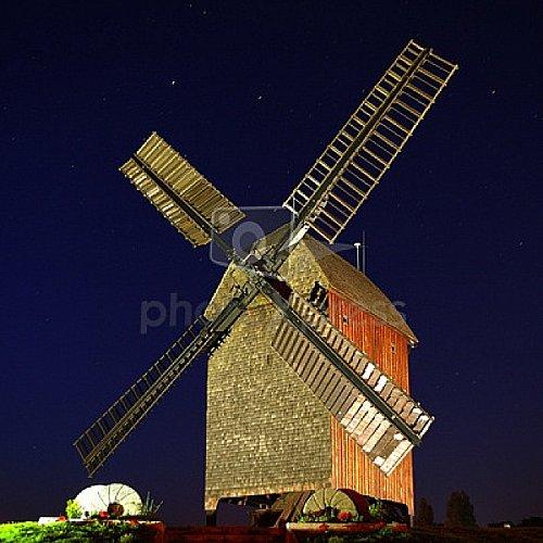 moulin-a-vent-moulin-a-meule_115224492.jpg