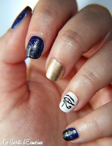 egyptian-nail-art-lapis-lazuli-water-spotted