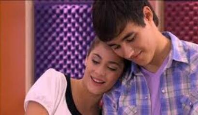 La plus belle scène de la partie 2 de la saison 1 (Violetta)<3