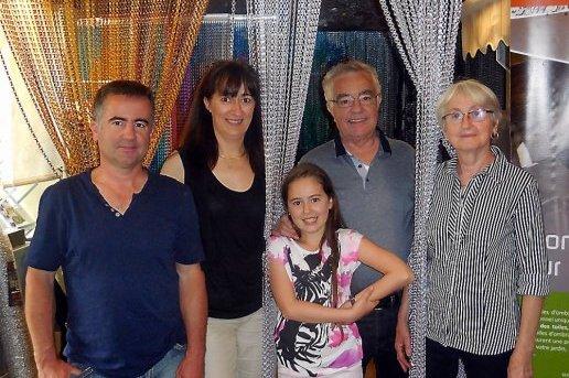 La famille Torredemer (de g. à d.) : Yves, Imma, Elodie, Roland et Monique.