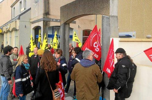 La Poste. Une grève soutenue par l'opposition (LT-22 mars 2017)
