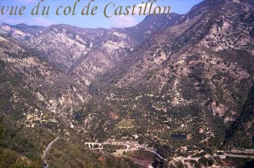 COTE D'AZUR : Villes et Villages - Au pied des montagnes