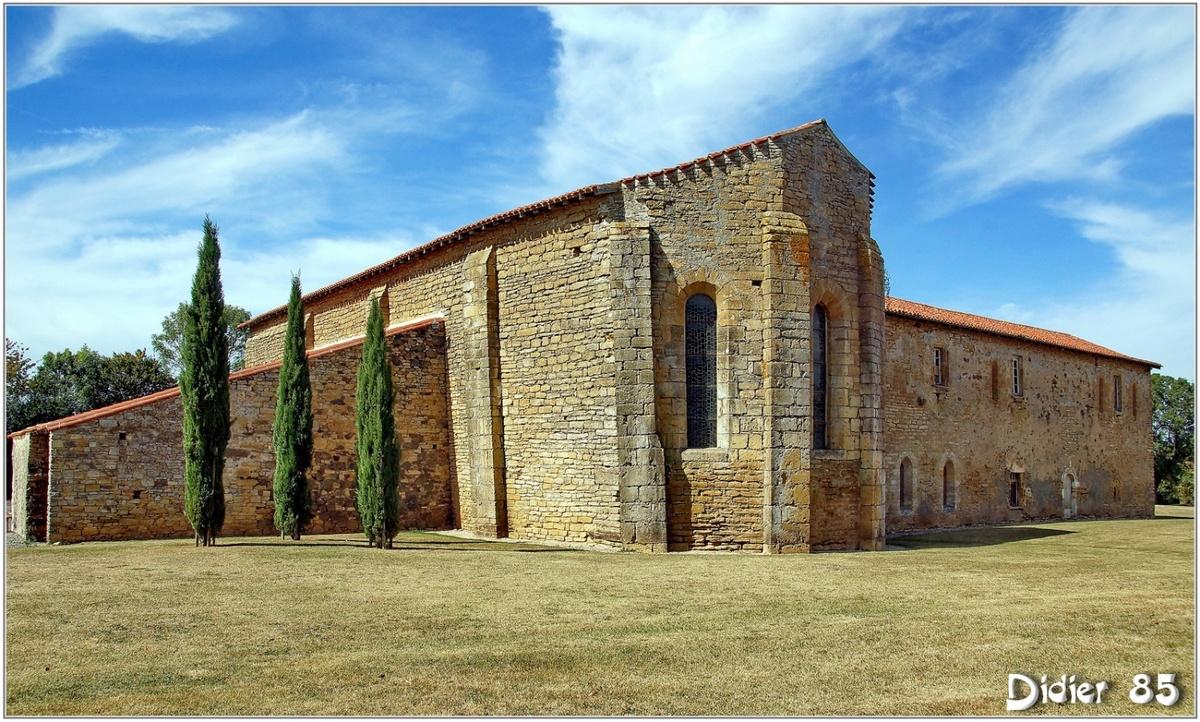 (85) Vendée - Saint Prouant (2) - Prieuré de Grammont 2