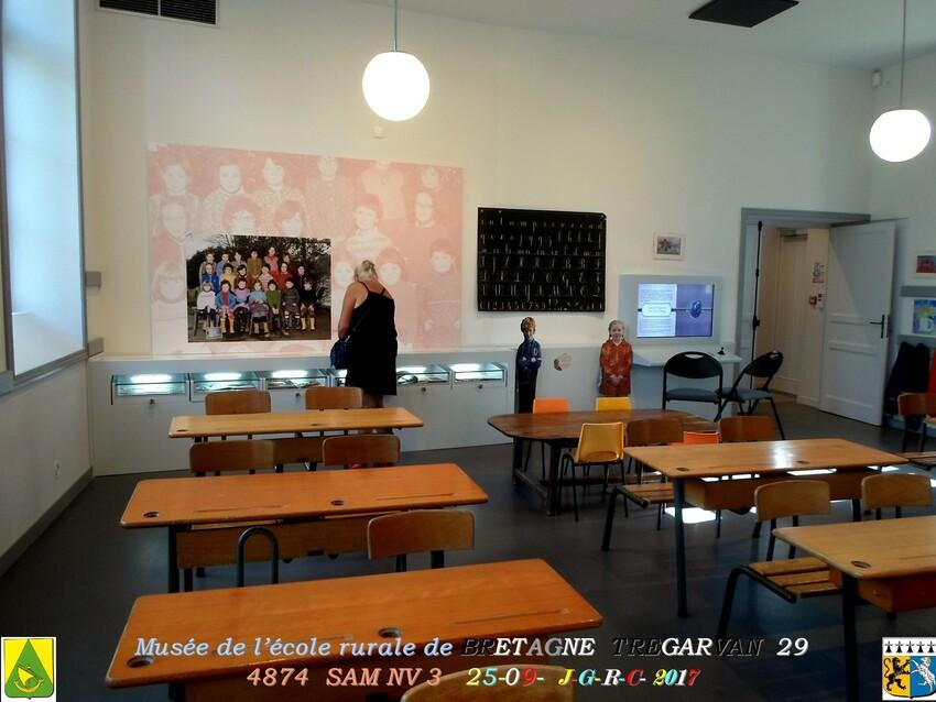 Musée de l'école rurale en BRETAGNE 4/4 - 12/20  TREGARVAN 29       D    30/09/2018