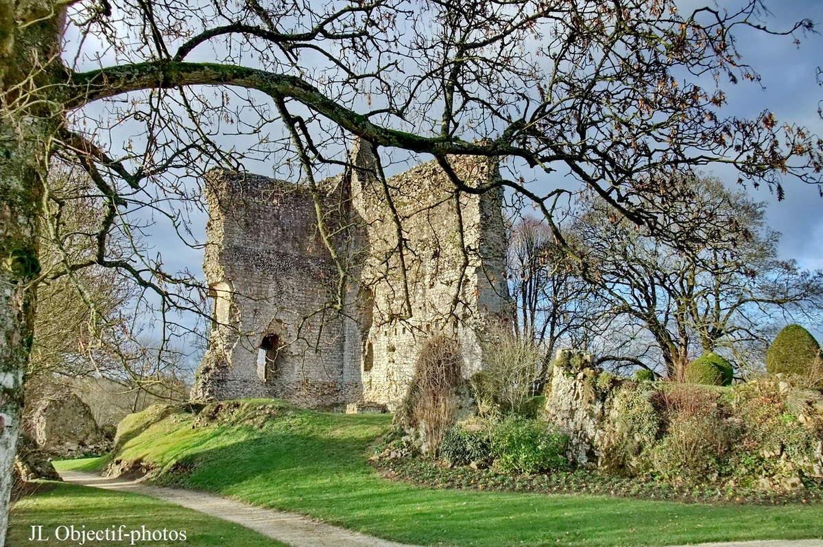 Donjon du Château de Domfront - Orne - Basse Normandie