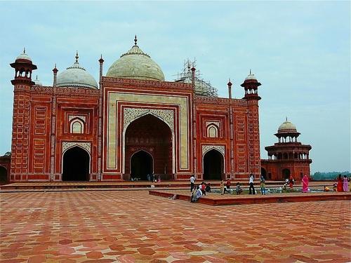 les mosquée qui jouxtent le tombeau du Taj Mahal