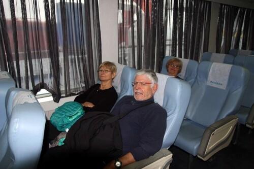 Confortablement installés dans le ferry