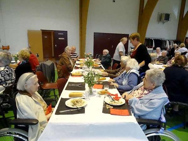 Le repas des Aînés 2015, offert par la Municipalité de Châtillon sur Seine