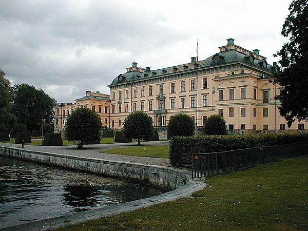 800px-Schloss Drottningholm Stockholm