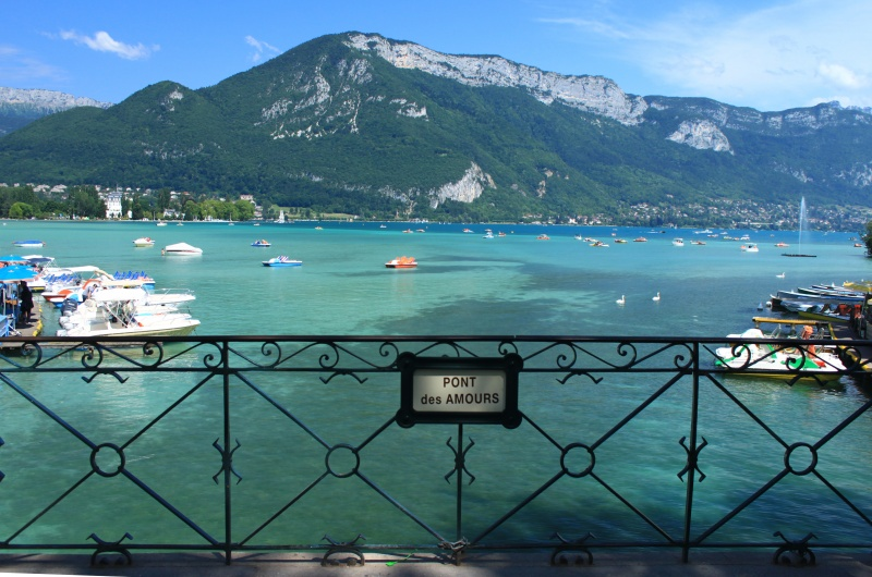le pont des amours lac d 39 annecy crislo et chris. Black Bedroom Furniture Sets. Home Design Ideas