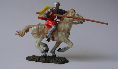 Réf: 8868/2 Les cavaliers avec lance, bouclier triangulaire et petite cape