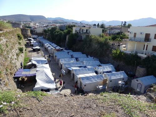 camp de réfugiés dans les remparts