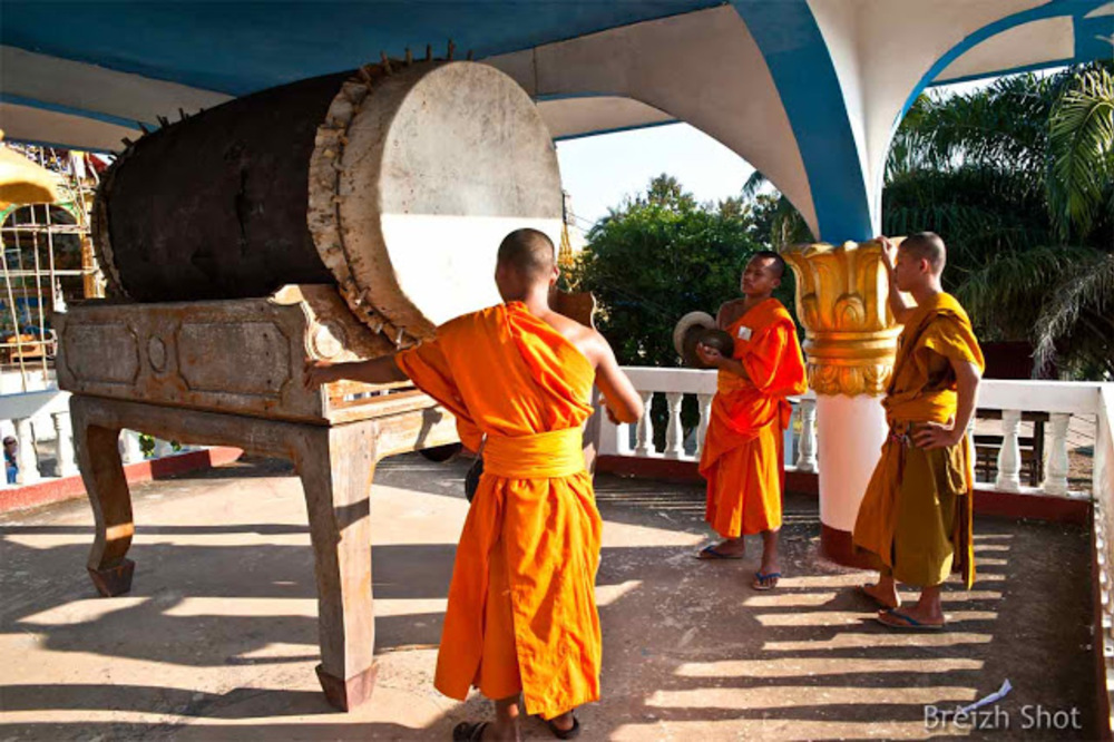Houay Xai - Grand tambour et cymbale